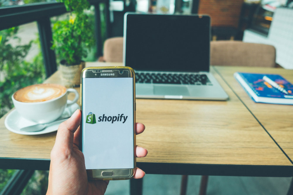 A Step-by-Step Guide on How to Launch Your Own Online Shopify Store in Less than an Hour!